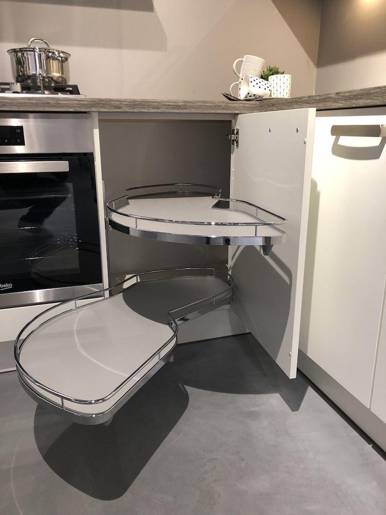 Prachtige showroom hoek keuken